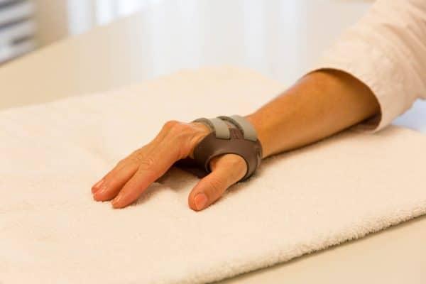 Handtherapie München, Schienenbehandlung